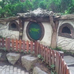 Rumah Hobbit di Farm House